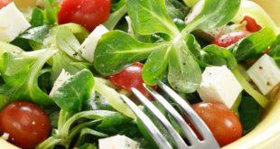 Τρία πράγματα που πρέπει να προσέξουμε στη διατροφή όταν έχει ζέστη