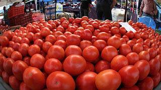 Δέσμευση 2 τόνων ντομάτας στη λαχαναγορά του Ρέντη