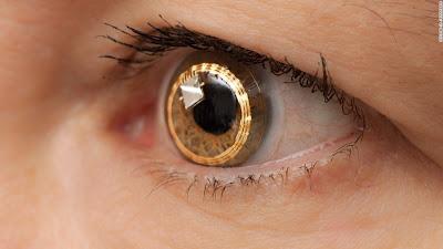 Έρευνα της Novartis για την καταπόνηση των ματιών μας από τις ψηφιακές συσκευές