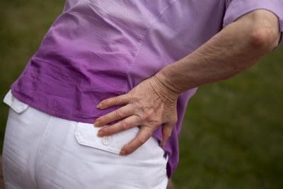 Nόσος Paget των οστών, με πόνο, παραμόρφωση οστών, κατάγματα, οστεοαρθρίτιδα, ζαλάδες, ίλιγγο, κώφωση
