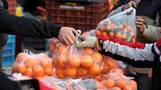 Περιφέρεια Αττικής: Ξεκινά το νέο πρόγραμμα στήριξης ευπαθών κοινωνικών ομάδων με είδη λαϊκών αγορών