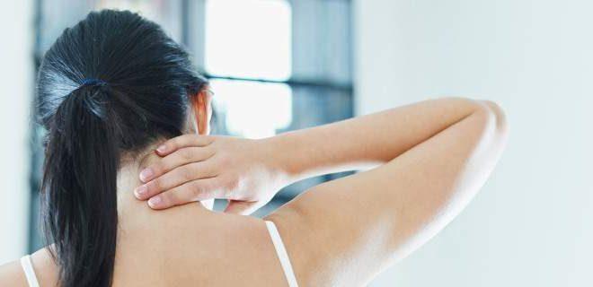 Τι είναι το σύνδρομο παγωμένου ώμου που δείχνει προτίμηση σε γυναίκες άνω των 40