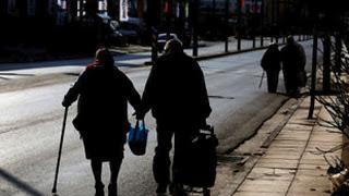 Στους ηλικιωμένους αρκούν λίγα λεπτά ελαφριάς άσκησης για να παρατείνουν τη ζωή τους
