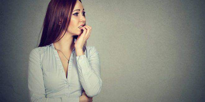 Τρία σωματικά σημάδια που υποδεικνύουν άγχος