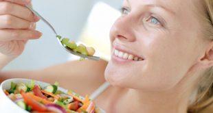Τρεις τροφές που μας κάνουν πιο χαρούμενους