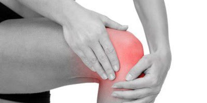 Πόνος στο γόνατο, που οφείλεται; Τρόποι αντιμετώπισης στο σπίτι με ασκήσεις και σωστή διατροφή. Πότε πρέπει να πάτε στον γιατρό