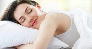 Οι σωστές στάσεις στον ύπνο για να ξυπνάτε χωρίς πόνους και στομαχικά προβλήματα