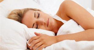 Τρεις τροφές που βοηθούν να έχετε καλύτερο βραδινό ύπνο