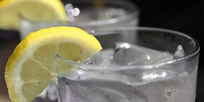 Πώς βοηθάει το παγωμένο νερό τη δίαιτα