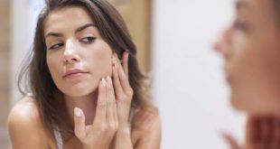 Τα σπυράκια στο πρόσωπο που δεν πρέπει ποτέ να πειράζετε -Δερματολόγος προειδοποιεί