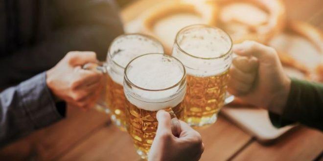 Έξι μπύρες ή έξι ποτήρια κρασί την εβδομάδα κάνουν καλό στην καρδιά