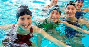 Το κολύμπι φέρνει υγεία. Η κολύμβηση κάνει καλό στην καρδιά, στους πνεύμονες, στους μυς, μειώνει το άγχος, δροσίζει